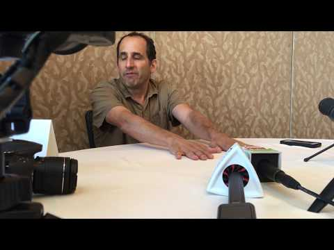 HNS Interviews Peter Jacobson from Colony at Comic Con 2017