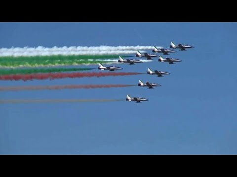 شاهد: العلم الإيطالي يزين سماء ميلانو احتفالا بـ-يوم الجمهورية- …  - نشر قبل 6 ساعة