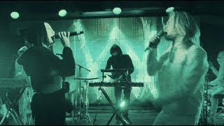 Download Alan Walker - All Falls Down (Live Performance at YouTube Space NY with Noah Cyrus & Juliander)