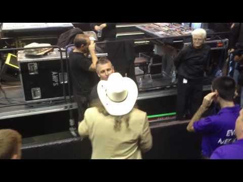 Mike McCready Pearl Jam meets Artimus Pyle from Lynyrd Skynyrd Charlotte NC 10/30/13