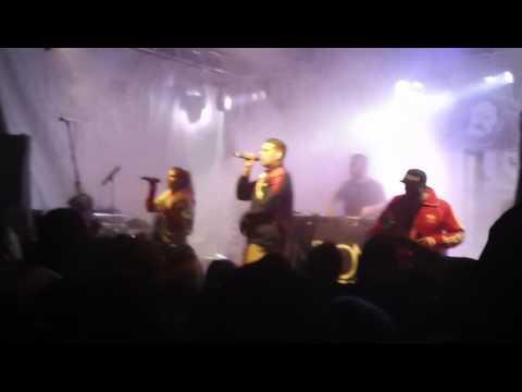 neonschwarz-(hip-hop-hamburg)-atmen-live-@-potsdam-2017