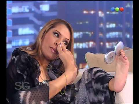 Se Maquilla Con Sus Pies - Susana Giménez