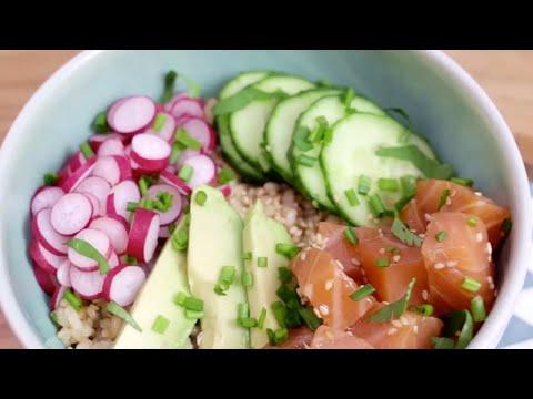 poke-bowl-au-saumon-mariné,-à-l'avocat,-au-concombre-et-au-radis---demotivateur-food