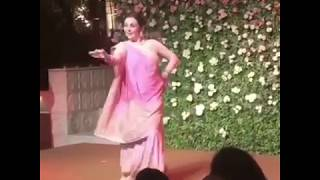 Nita Ambani dancing to Navrai Majhi at Isha Ambani's engagement