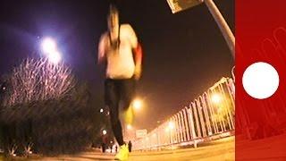 Need for speed! Sprinter races metro between stations, Beijing