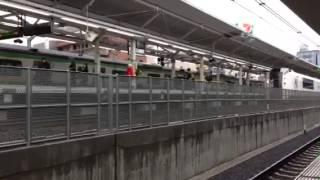 浦和駅5番線を通過.