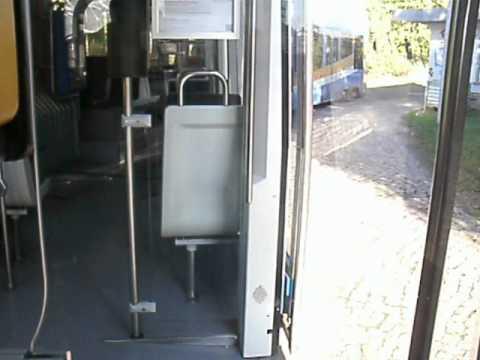 Die Bahn NGT8 auf der Wendeschleife Mockau-Post in Leipzig. Teil 1