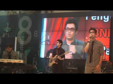 Yovie Nuno ~ Galau (Gandaria City)