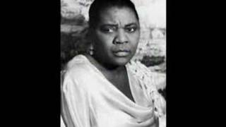 Bessie Smith -A hot time in the Old Town Tonight