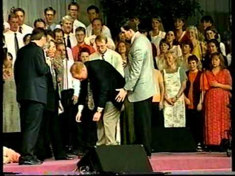 2 Бенни Хин проповедует в Упсале, в церкви Ульфа Экмана