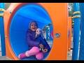 elsa ve elif bisikletle geziyor parkta oynuyor, eğlenceli çocuk videosu