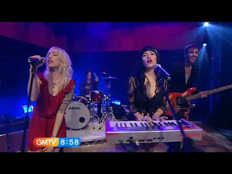 The Veronicas - Untouched (LIVE)