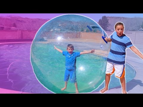 GIANT BALLOON BUBBLE CHALLENGE!!