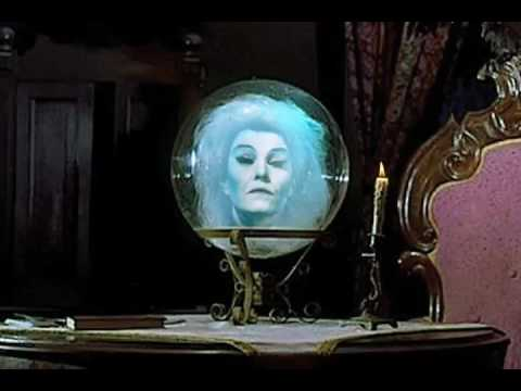 Haunted Mansion - Madame Leota Recreation