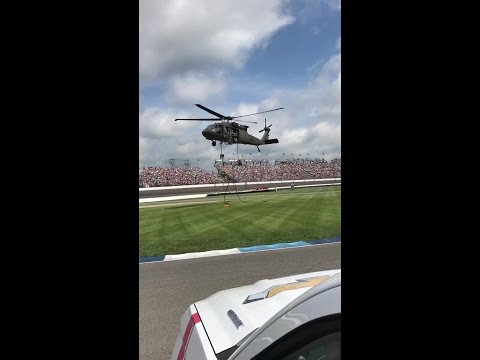 Black Hawk helicopter delivers green flag for Indy 500