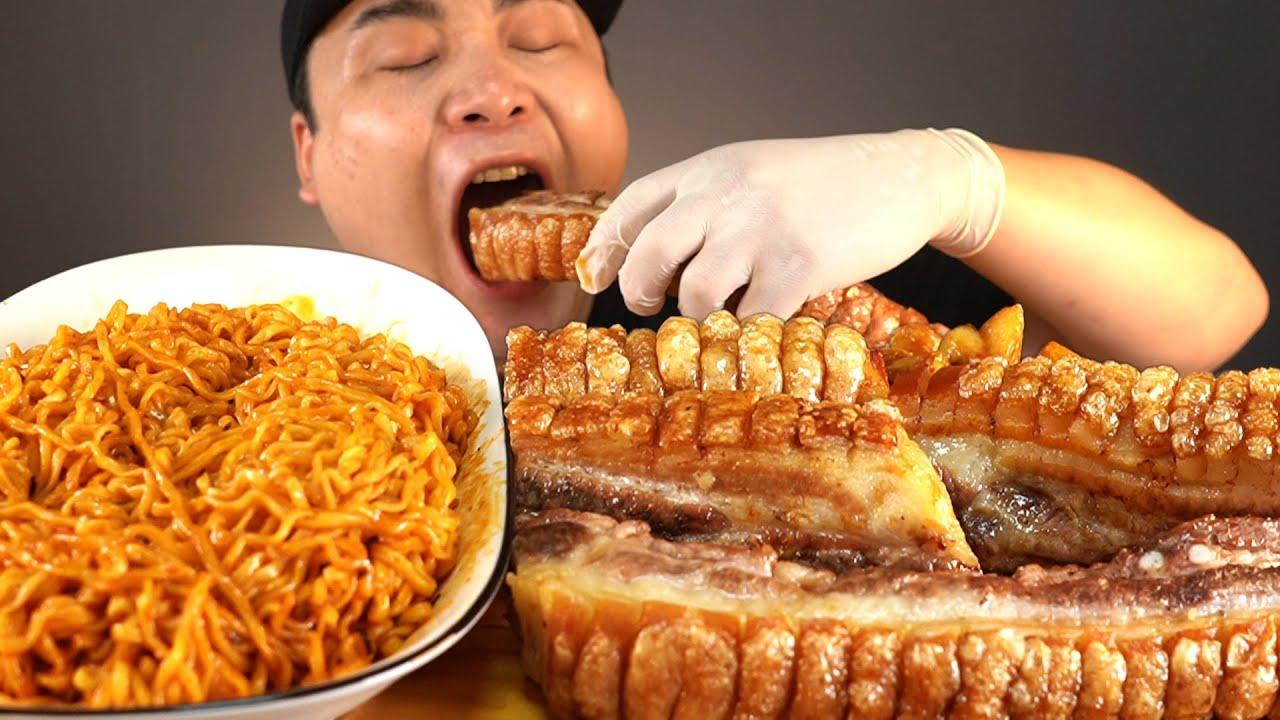 바삭함 끝판왕 크리스피삼겹살과 불닭볶음면 먹방~!! 리얼사운드 ASMR social eating Mukbang(Eating Show)