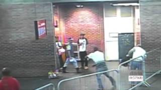 Policial atira contra homem dentro de terminal em SP