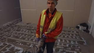 видео Установка водяного и кабельного теплого пола под плитку