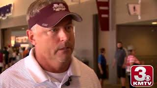 College World Series: Internet goes bananas for Mississippi State superfan