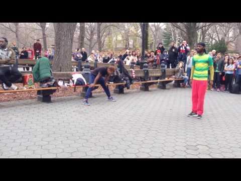 Уличные танцоры-комики, прыжок веры подготовка 1, Нью-Йорк