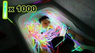 1000 LEUCHTSTÄBE VS BADEWANNE - EXPERIMENT !!! | PrankBrosTV