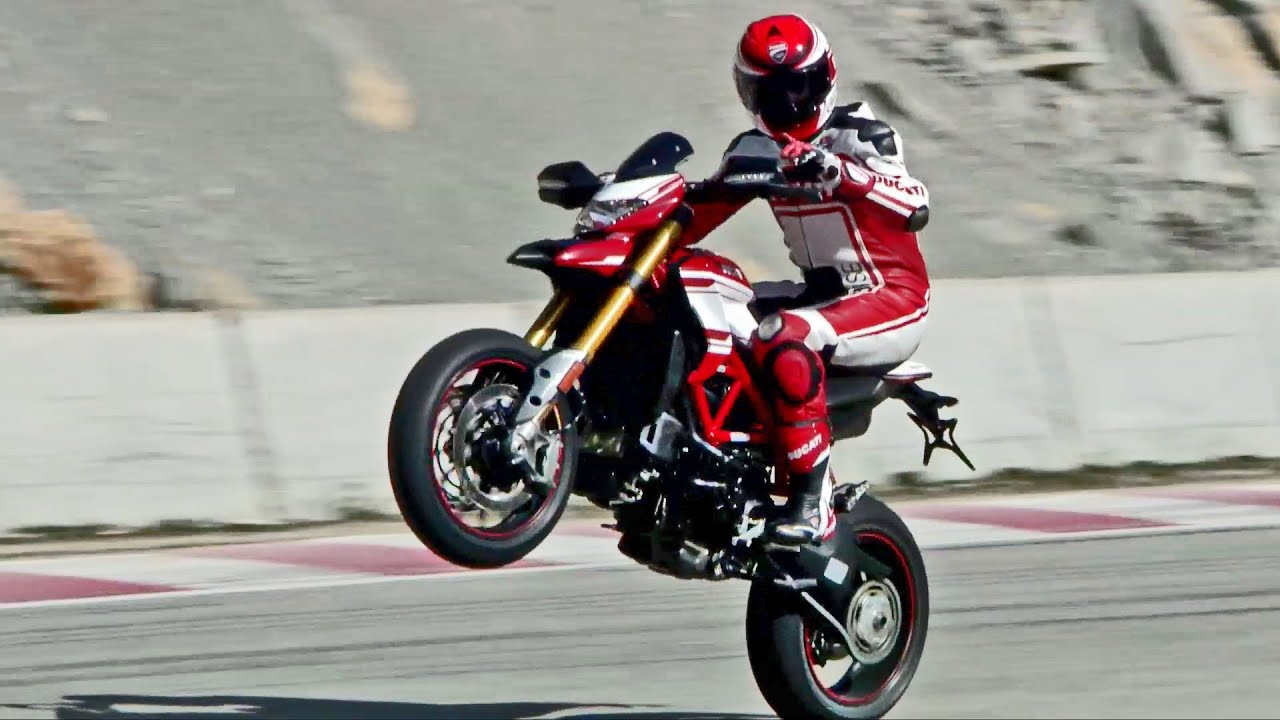 test drive 2016 ducati hypermotard 939 sp youtube. Black Bedroom Furniture Sets. Home Design Ideas