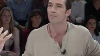 El mosqueo de Antonio Banderas en Lo Plus