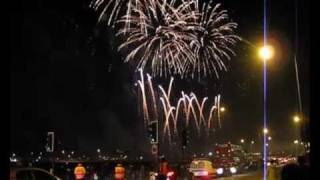 Fireworks Display - Bonfire Night 2010 - Blackheath London.avi