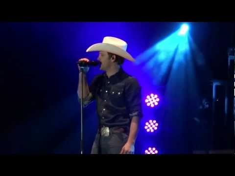 Justin Moore@Strawberry Festival/Outlaws Like Me