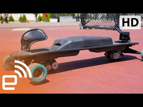 LEIF's electric, snowboard style freeboard | Engadget