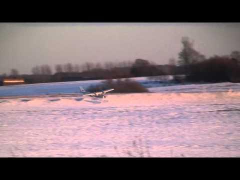 BMF Hangar: Steen Larsen Cessna 182 Hype