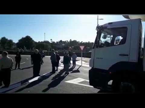 Los vecinos cortan el acceso de la ronda urbana en Pontevedra