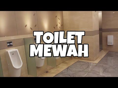 Mengintip WC Cowok