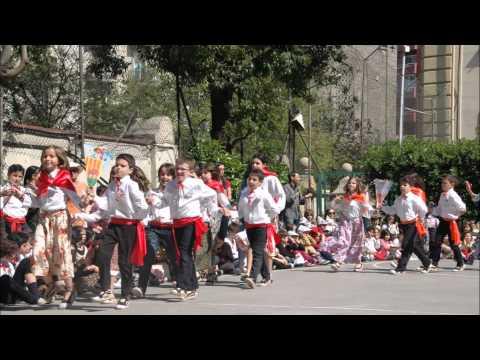 SANT JORDI 2015. ESCOLA LURDES: Les sardanes