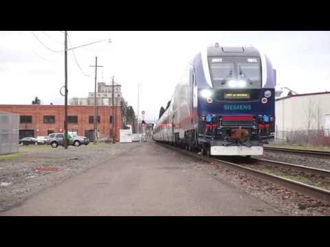 (HD) IDOT 4611 (SC-44 Charger) Amtrak 941 into Eugene,Oregon