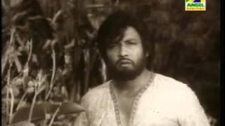 Adho Alo Chayate I আধো আলোছায়াতে কিছু ভালোবাসাতে I Film: Kalankini Kankabati (1981)