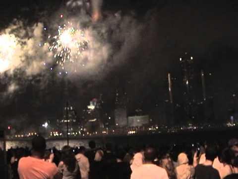 Windsor Canada - Detroit USA - Freedom Festival Fireworks June 27th 2007