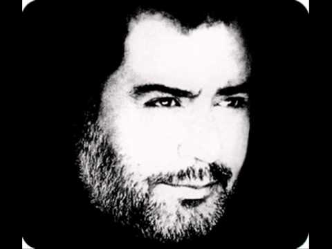 Ahmet Kaya-Metrisin Önünde
