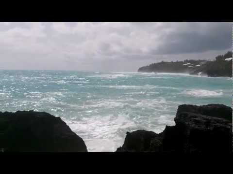 Hurricane Leslie approaches The Reefs, Bermuda