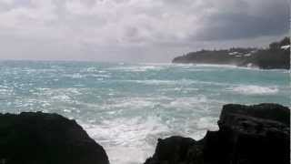 Hurricane Leslie approaches The Reefs, Bermuda Thumbnail
