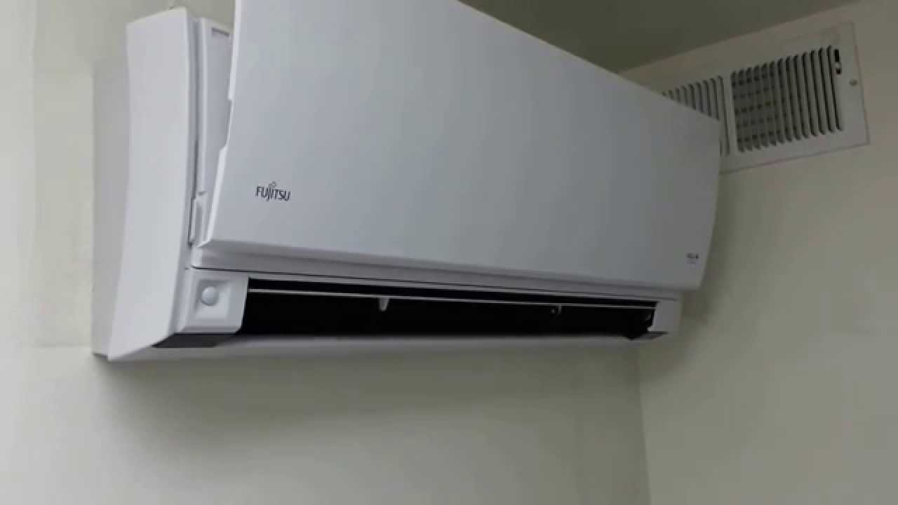 Fujitsu heat pump mini split in server room start - YouTube