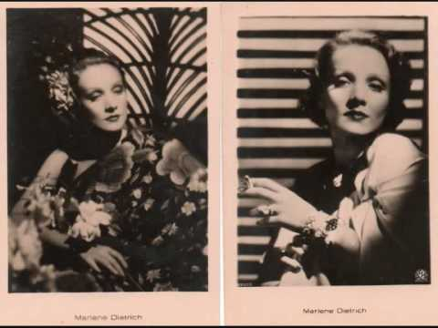 """Marlene Dietrich """"No Love, No Nothing"""" 1952 Postcards 2/3 Cartes postales 2/3"""