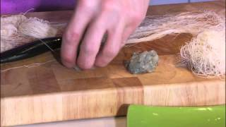 Passe-vite - Amuze - Krokante balletjes van gamba met gekruide mayonaise