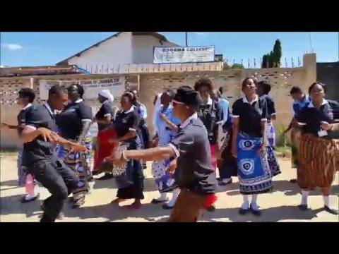 365 dní zaspievané študentmi z Tanzánie