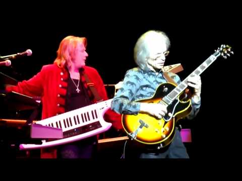 YES At The Vector Arena, AUCKLAND, NEW ZEALAND 1 April 2012-Excerpt From STARSHIP TROOPER