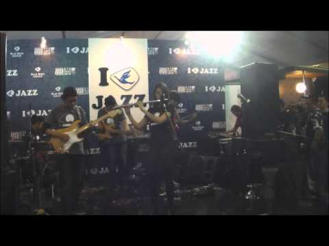 AREYOUALONE? - Gugur Bunga at Java Jazz Festival 2015 ( Blue Bird Stage )