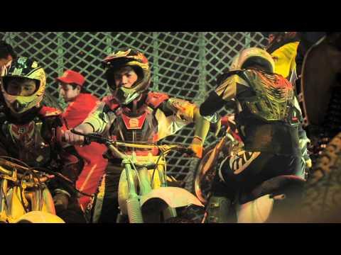 .::INSANE INSIDE::.  Death Globe Circus with 7 bikes - Globo de la muerte en el circo
