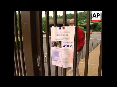 Expats vote on EU constitution at French embassy