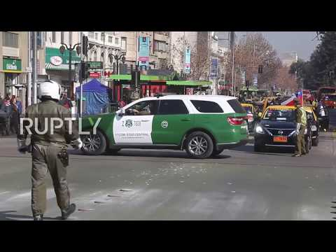 Chile: Santiago taxi drivers protest against ride-hailing apps