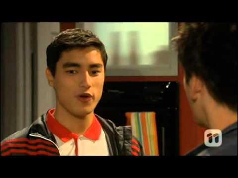 Kisses between Chris and Hudson